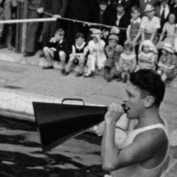 0464FH0006_1938_Amiens_piscine_porte-voix